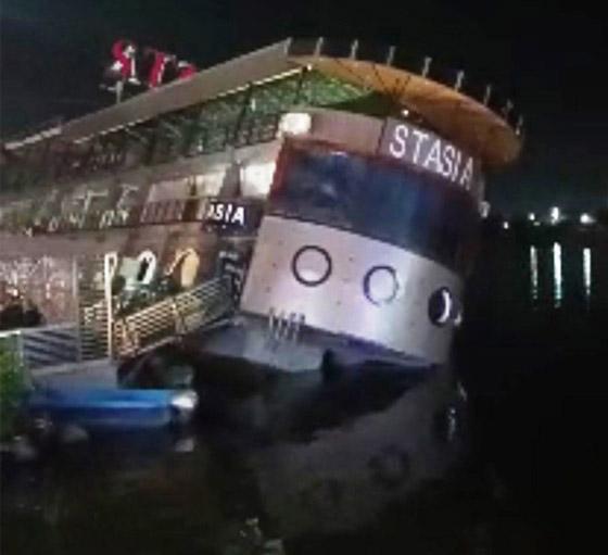 صورة رقم 5 - فيديو فاجعة المنصورة: غرق مركب عائم بالنيل أثناء تناول العشاء