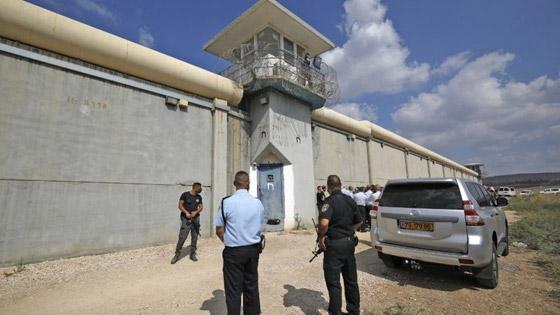 صورة رقم 1 - وزير إسرائيلي: أحد الفلسطينيين الهاربين قد يكون وصل للضفة