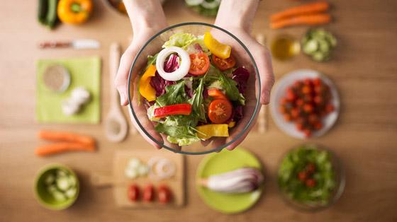 صورة رقم 5 - ليست عملية سهلة.. كيف تحض ر طبق سلطة صحيا ومفيدا؟