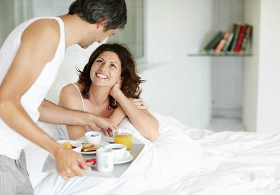 صورة رقم 5 - 5 فوائد للارتباط بشريك مولع بالقهوة