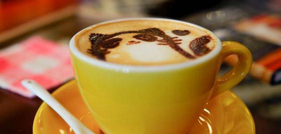 صورة رقم 7 - 5 فوائد للارتباط بشريك مولع بالقهوة
