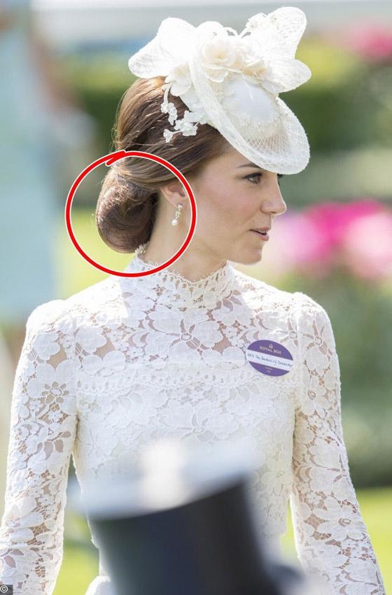 حيل وإكسسوارات تستخدمها نساء العائلة البريطانية المالكة لمظهر مثالي صورة رقم 1