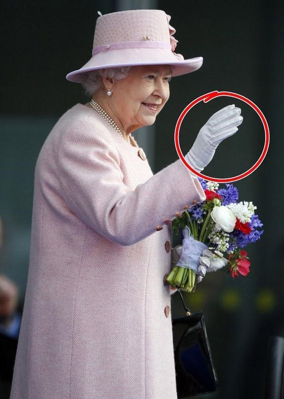حيل وإكسسوارات تستخدمها نساء العائلة البريطانية المالكة لمظهر مثالي صورة رقم 6