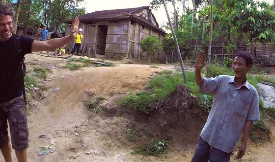 بالفيديو والصور: طرزان حقيقي عاش في الأدغال 40 سنة وقتله السرطان صورة رقم 5