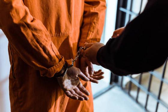 صورة رقم 1 - رجل يسلم نفسه للشرطة بعدما فر من السجن مدة 30 عاما! والسبب..