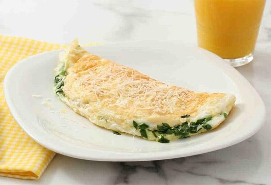 صورة رقم 5 - إليكم طريقة تحضير عجة بياض البيض السهلة واللذيذة للرجيم