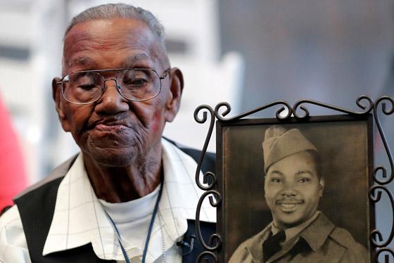 صورة رقم 2 - آخر جندي شارك بالحرب العالمية الثانية مازال على قيد الحياة بعمر 112