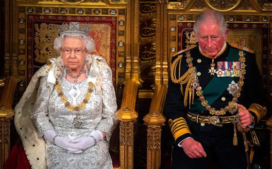 صورة رقم 6 - بعد ألف عام على تاريخها.. هل ستختفي الملكية البريطانية خلال جيلين؟