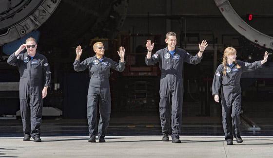 صورة رقم 10 - حدث تاريخي: إطلاق أول رحلة سياحية إلى الفضاء وعلى متنها مدنيون
