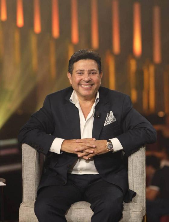 صورة رقم 3 - فيديو هاني شاكر يفج ر مفاجأة: عمرو دياب تنازل لي عن اغنية بتحبيه!