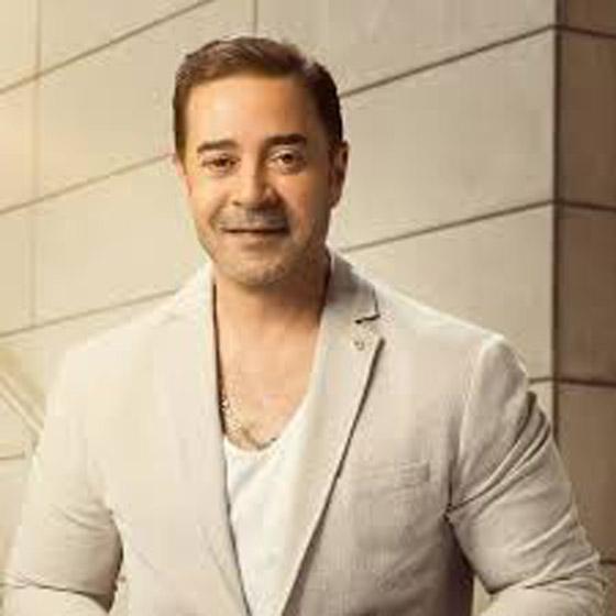 صورة رقم 7 - فيديو هاني شاكر يفج ر مفاجأة: عمرو دياب تنازل لي عن اغنية بتحبيه!