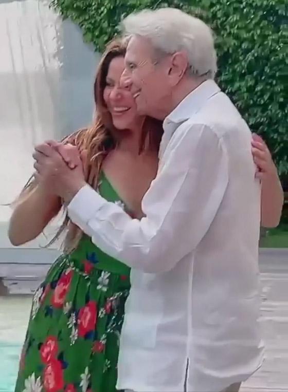 صورة رقم 3 - فيديو: شاكيرا ترقص مع والدها في عامه الـ90 وتشعل مواقع التواصل