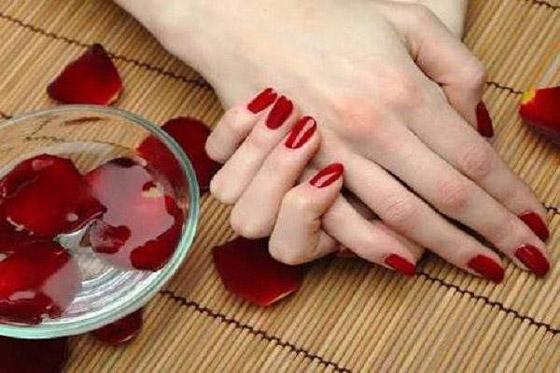 صورة رقم 1 - أفضل 6 خلطات لتبيض اليدين في يوم واحد فقط