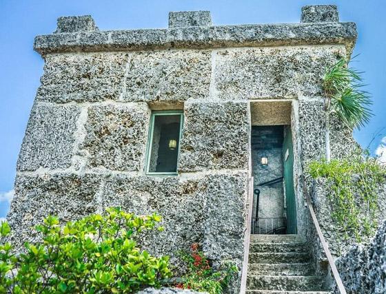 صورة رقم 1 - قلعة المرجان.. وراء كل رجل عظيم قصة حب لم تكتمل