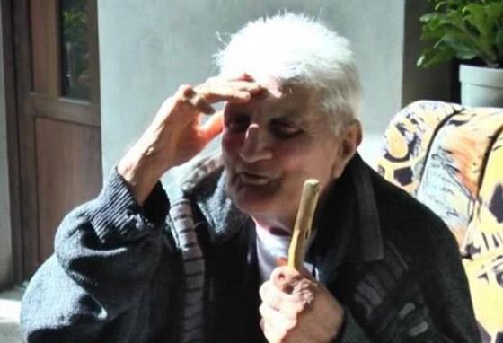 بعد 30 عاما على اختفائه وتأبينه يعود إلى بيته مرتديا نفس الملابس! صورة رقم 3