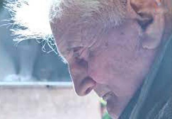 بعد 30 عاما على اختفائه وتأبينه يعود إلى بيته مرتديا نفس الملابس! صورة رقم 6