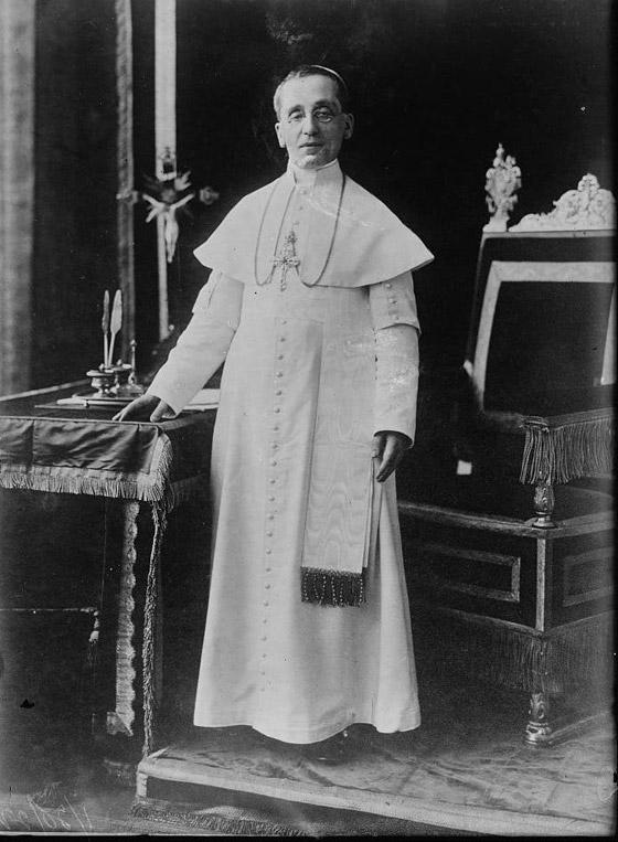 صورة رقم 4 - هكذا حاول البابا إنهاء الحرب العالمية الأولى وتوقع حربا ثانية
