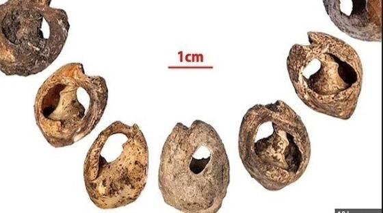 صورة رقم 1 - اكتشاف أقدم مجوهرات في العالم في كهف مغربي