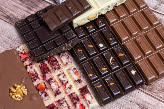 صورة رقم 1 - ليست البيضاء والداكنة والبندق فقط.. 10 أنواع شوكولاتة، هل تعرفها كلها؟