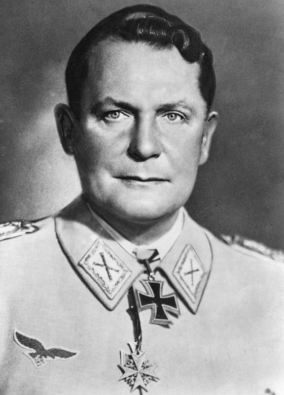 صورة رقم 1 - قبل الحرب.. النازي هتلر فاز بـ99% في انتخابات ألمانيا