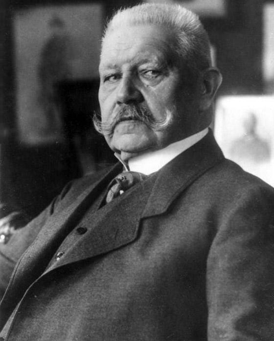صورة رقم 3 - قبل الحرب.. النازي هتلر فاز بـ99% في انتخابات ألمانيا