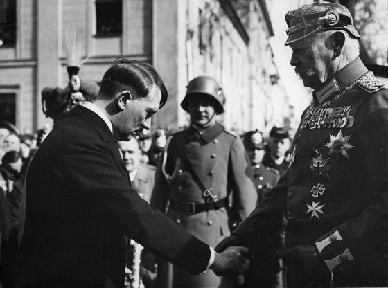 صورة رقم 5 - قبل الحرب.. النازي هتلر فاز بـ99% في انتخابات ألمانيا