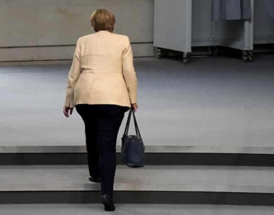 أنجيلا ميركل: أهم المحطات السياسية والمواقف المحرجة في مسيرة المستشارة الألمانية صورة رقم 8