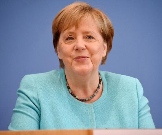 أنجيلا ميركل: أهم المحطات السياسية والمواقف المحرجة في مسيرة المستشارة الألمانية صورة رقم 12