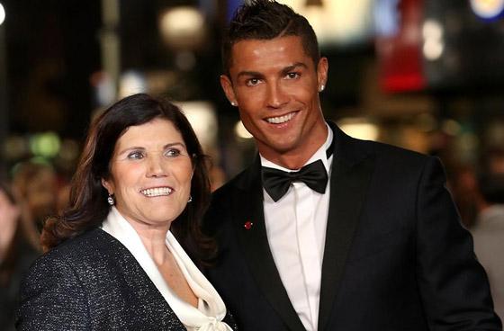 صورة رقم 9 - والدة كريستيانو رونالدو ترفض زواجه من جورجينا رودريغيز