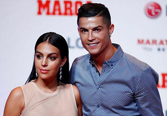 صورة رقم 19 - والدة كريستيانو رونالدو ترفض زواجه من جورجينا رودريغيز