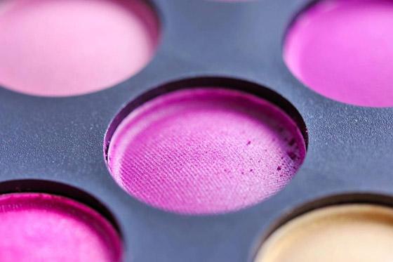 صورة رقم 3 - مكياج زهري لدعم مرضى سرطان الثدي في شهر أكتوبر الوردي