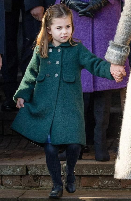 صورة رقم 13 - الأميرة شارلوت (6 سنوات) أغنى صغار العائلة الملكية.. لن تصدق ثروتها!