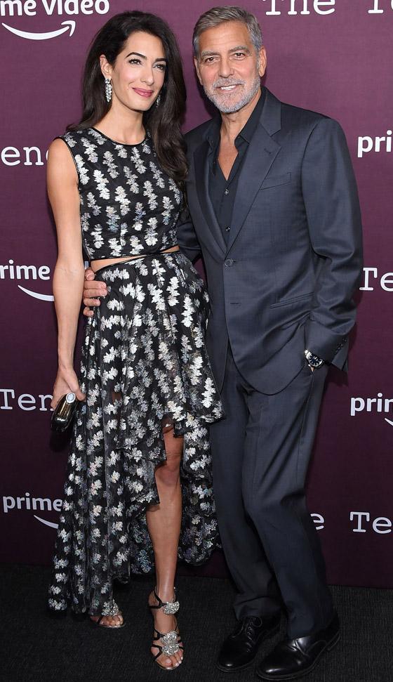 صورة رقم 11 - صور: أمل كلوني بإطلالة مذهلة في حفل افتتاح فيلم زوجها الجديد