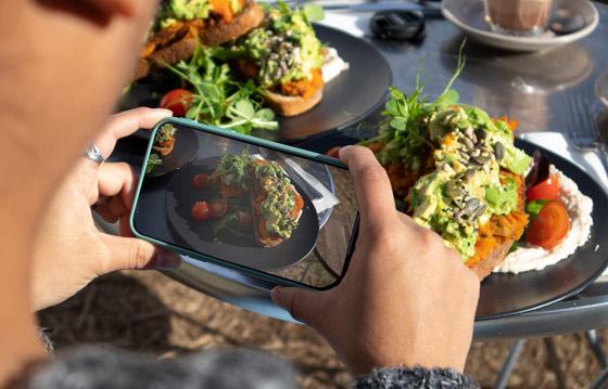 صورة رقم 2 - تحذير سيصدمكم.. لا تصوروا طعامكم وتنشروه بمواقع التواصل أبدا!