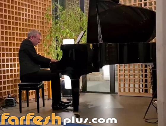 صورة رقم 2 - فيديو: موسيقار عالمي يعزف مقاطع لـ محمد عبده وعبدالمجيد عبدالله بالرياض