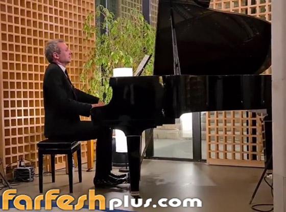 صورة رقم 3 - فيديو: موسيقار عالمي يعزف مقاطع لـ محمد عبده وعبدالمجيد عبدالله بالرياض