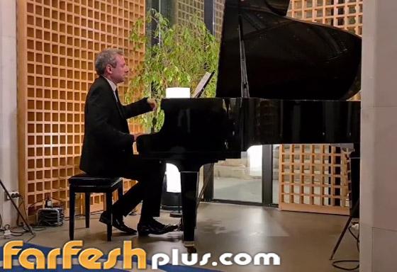 صورة رقم 4 - فيديو: موسيقار عالمي يعزف مقاطع لـ محمد عبده وعبدالمجيد عبدالله بالرياض