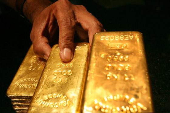 صورة رقم 3 - الذهب يهبط مع ارتفاع الدولار