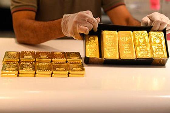 صورة رقم 5 - الذهب يهبط مع ارتفاع الدولار