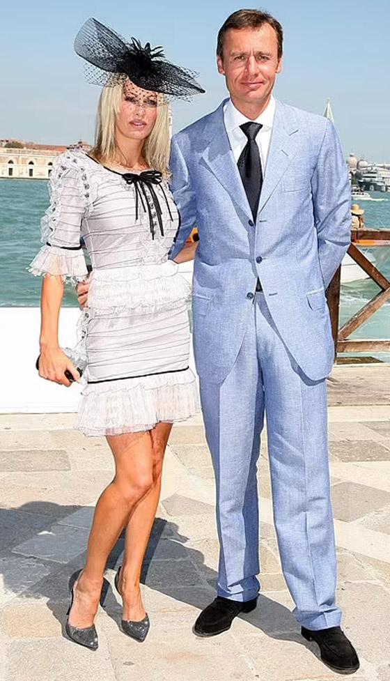 صورة رقم 27 - ملكة جمال بريطانيا تصبح أكثر المطلقات ثراء! تحصل على نصف مليار دولار