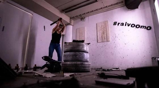 صورة رقم 1 - قاعة للتنفيس عن الغضب الناجم عن كورونا في فنلندا