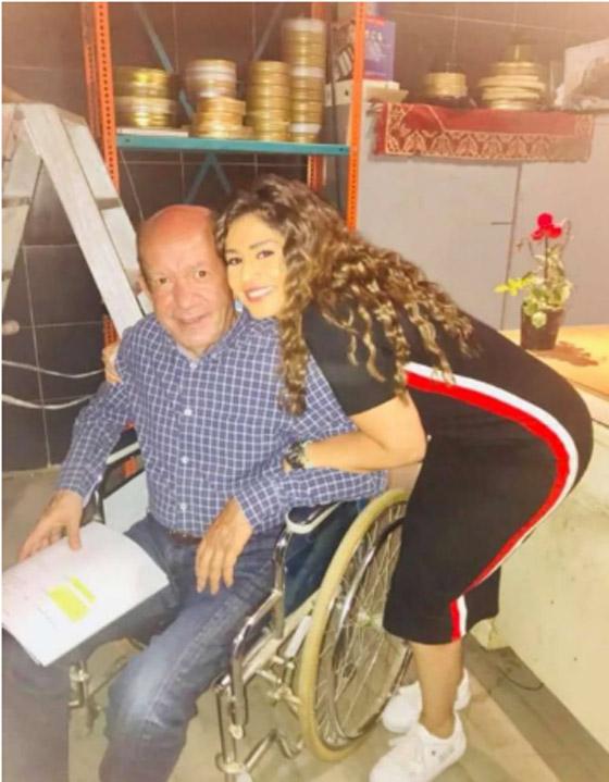 صورة رقم 2 - صور: 5 نجوم عرب فقدوا القدرة على المشي وظهروا على كرسي متحرك