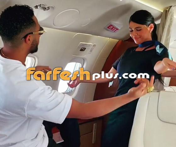 فيديو: محمد رمضان يرقص مع مضيفتي طيران داخل الطائرة.. ويعلق: المضيفة الفرفوشة صورة رقم 8