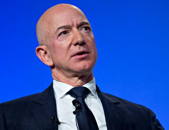 صورة رقم 7 - جيف بيزوس يفقد موقعه كأغنى رجل في العالم بسبب خسائر أمازون