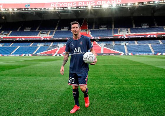 صورة رقم 13 - باريس سان جيرمان يتعاقد مع ميسي رسميا: عقده يمتد لعامين وسيحمل الرقم 30