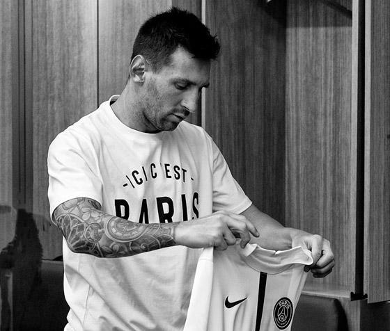 صورة رقم 16 - باريس سان جيرمان يتعاقد مع ميسي رسميا: عقده يمتد لعامين وسيحمل الرقم 30