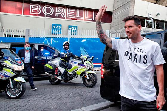 صورة رقم 17 - باريس سان جيرمان يتعاقد مع ميسي رسميا: عقده يمتد لعامين وسيحمل الرقم 30