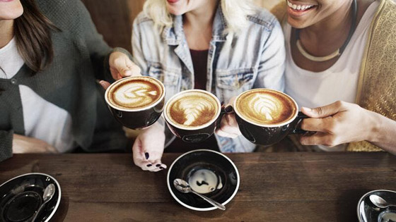 صورة رقم 1 - أضرار لشعرك يُسببها التوقف عن شرب القهوة