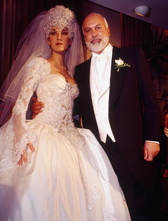 صورة رقم 6 - صور 10 عرائس شهيرات ارتدين فساتين زفاف جميلة وغريبة لا تنسى..