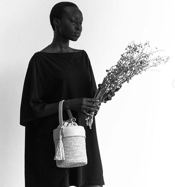 صورة رقم 7 - فيديو وصور: عارضة أزياء سودانية تحارب العنصرية بطريقة أثارت استحسان الجمهور